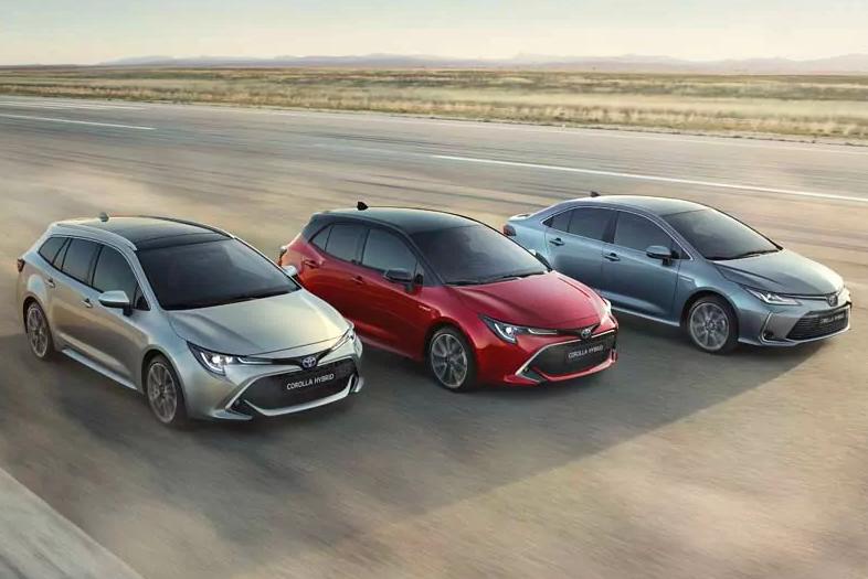 Toyota Corolla sedan hatchback wypożyczalnia szczecin kombi